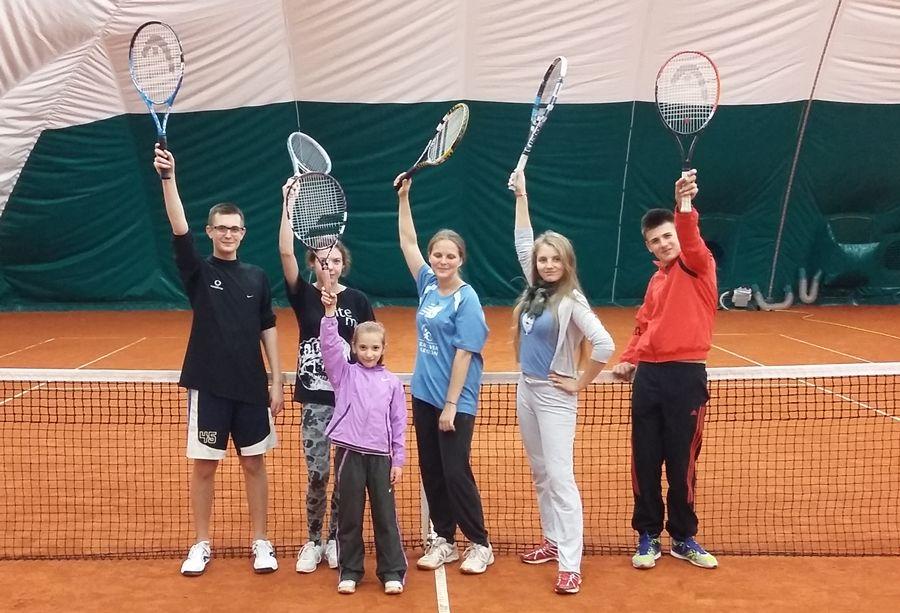 Treningi sekcji tenisa ziemnego